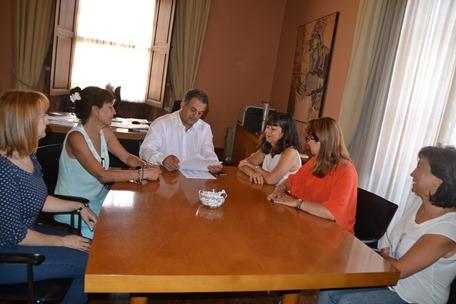 Encuentro alcalde-Plataforma Feminista Canaria