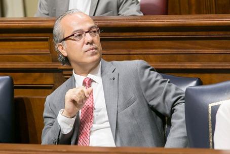 Sanidad Parlamento 06