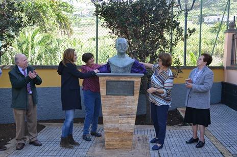 Reposición busto Fermín Cedrés1
