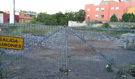 Solar aparcamientos 2